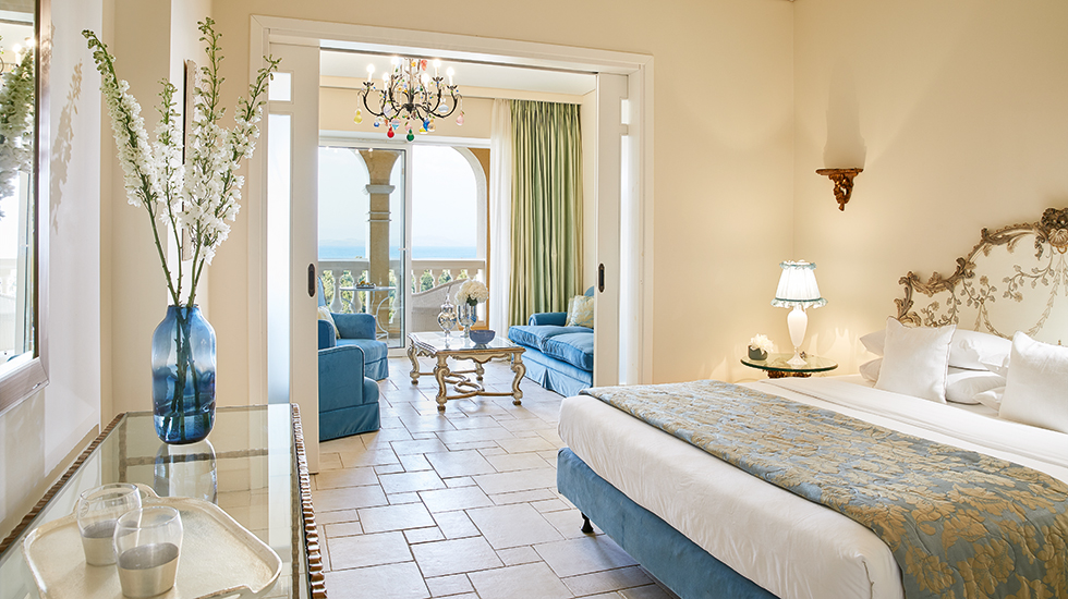 Deluxe Suite | Master Bedroom with spacious living and sleeping quarters
