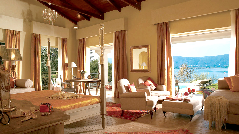 Palazzina Villa with 2 Private Pools | Master Bedroom Suite