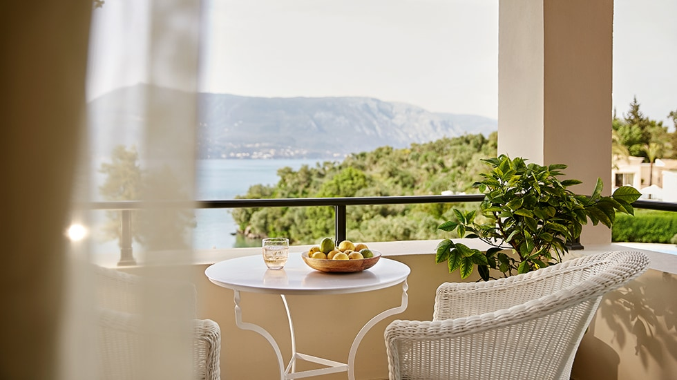 Luxury Seafront Accomodation at Eva Palace in Corfu