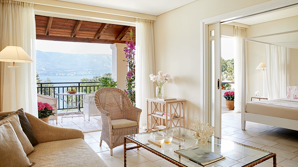 Suites with garden in Corfu