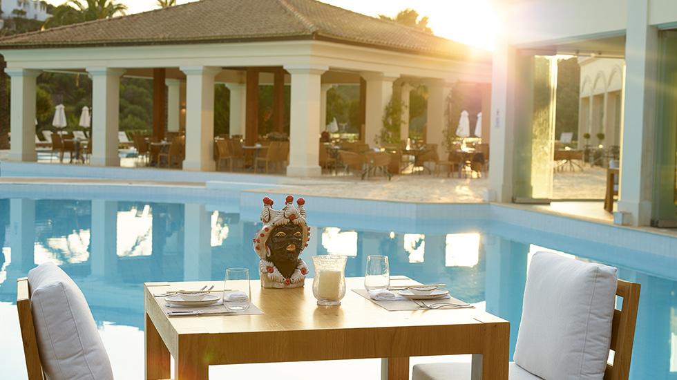 poolside-restaurant-eva-palace-hotel